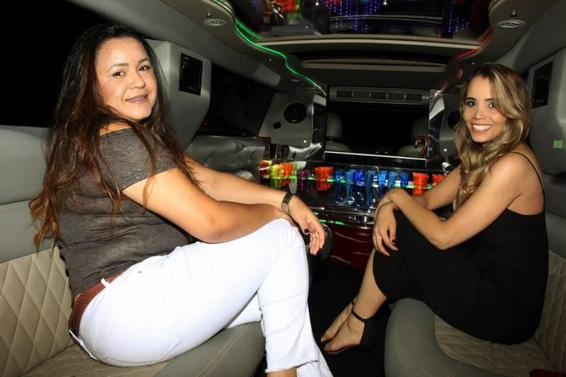 Empresa de Locação de Limousine Aniversario Osasco - Aluguel de Limousine Branca para Festas