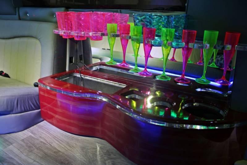 Empresa de Locação de Limousine Aniversario Vila Clotilde - Limousine Rosa para Festa Infantil