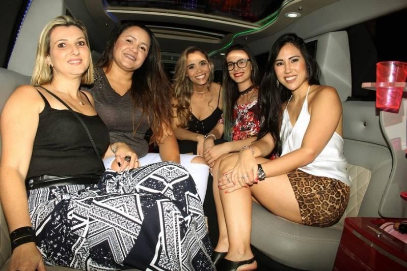 Empresa de Locação de Limousine Festa Jardim Alzira - Aluguel de Limousine para Festa Debutante