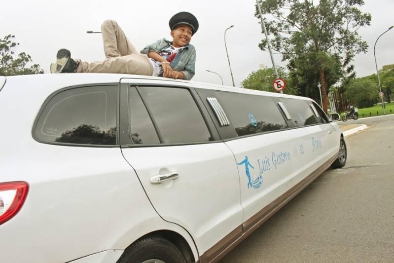Empresa de Locação de Limousine Infantil Sítio do Mandaqui - Loja de Limousine Rosa
