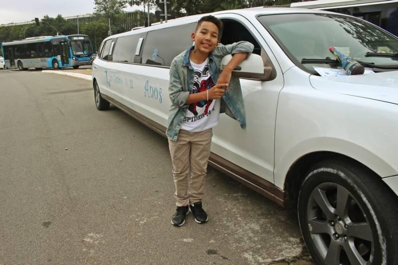 Empresa de Locação de Limousine para Casamentos Jardim Novo Oriente - Loja de Limousine Branca