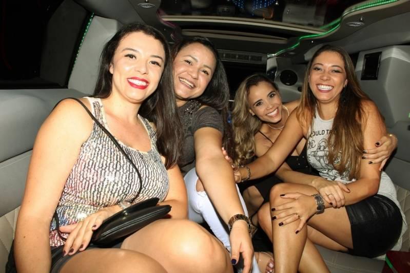 Empresa de Locação de Limousine para Debutante Parque Pedroso - Aluguel de Limousine para Festa Debutante