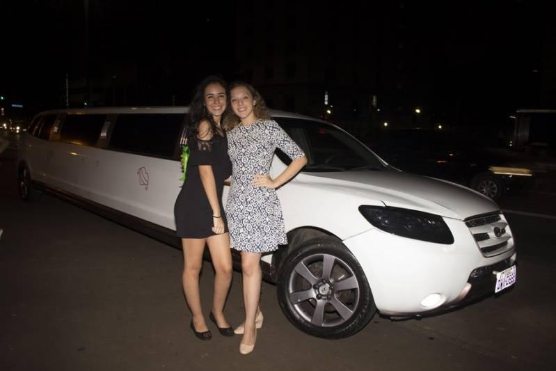 Empresa de Locação de Limousine para Debutante Vila Regente Feijó - Loja de Limousine de Festa