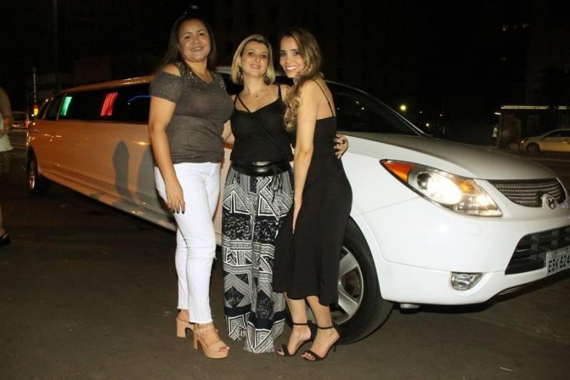 Empresa de Locação de Limousine para Festa Infantil Jardim Oriental - Aluguel de Limousine Preta para Festas
