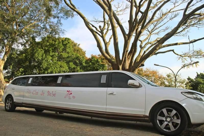 Empresa de Locação de Limousines Jardim Emília - Limousine Vermelha