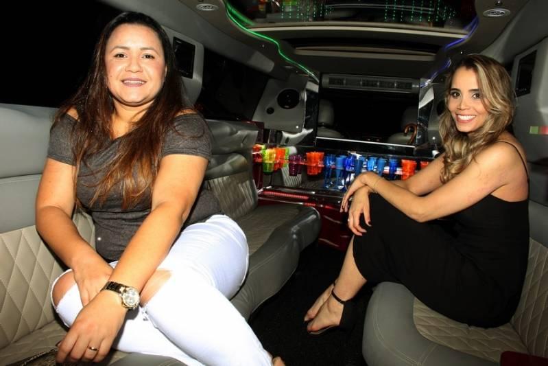 Locação de Limousine Aniversario Preço Sítio São João - Aluguel de Limousine Branca para Festas