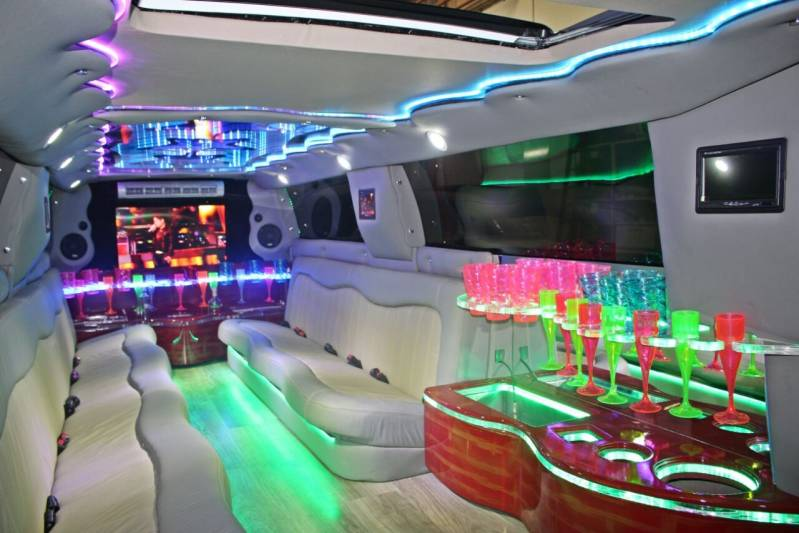Locação de Limousine Festa Preço Vila Fiat Lux - Locação Limousine Casamento