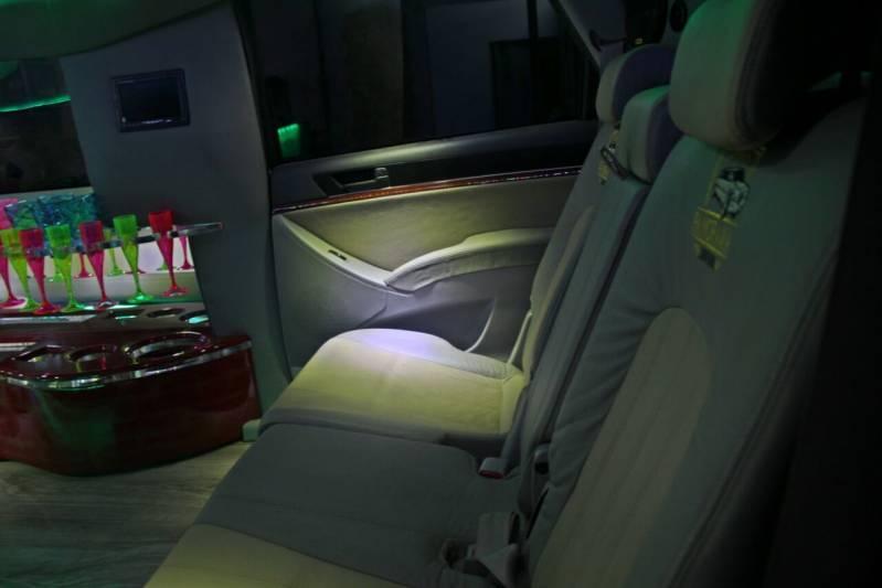Locação de Limousine para Casamento Preço Chácara Figueira Grande - Locação de Limousine para Eventos de Empresas