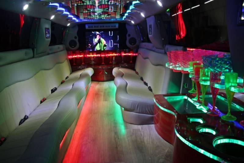 Locação de Limousine para Casamentos Preço Chavantes - Limousine de Luxo