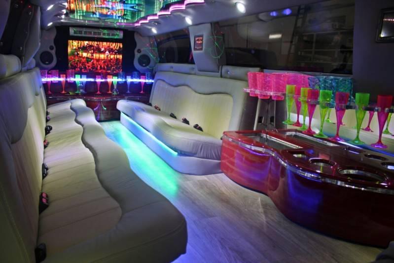 Locação de Limousine para Festa Infantil Preço Jardim Heloisa - Limousine para Debutantes