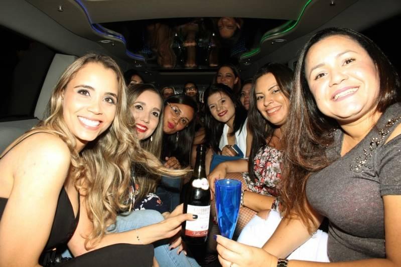 Locação de Limousine para Festa Preço Vila Anchieta - Aluguel de Limousine Rosa de Festa