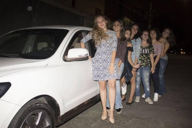Locação de Limousines Preço Conjunto Taquaril - Limousine Vermelha