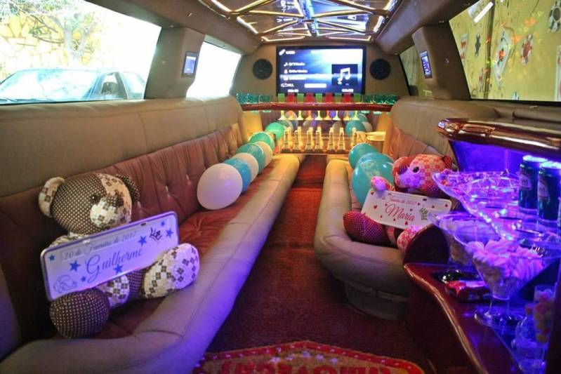Locação de Limousines Preço Vila Embira - Limousine para Eventos Promocionais