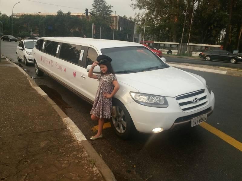 Quanto Custa Aluguel de Limousine para Festas 33943 no Jardim Santo Elias - Aluguel de Limousine para Festa