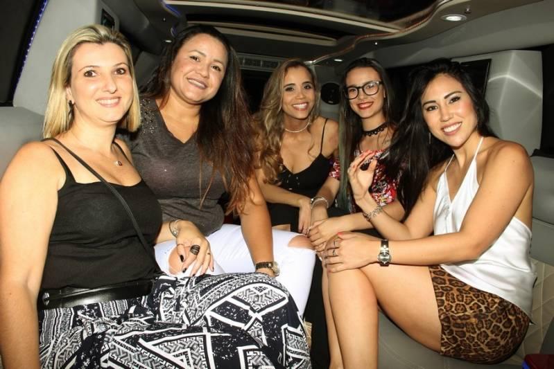 Quanto Custa Locação de Limousine Festa Jardim Elisa - Aluguel de Limousine Rosa de Festa