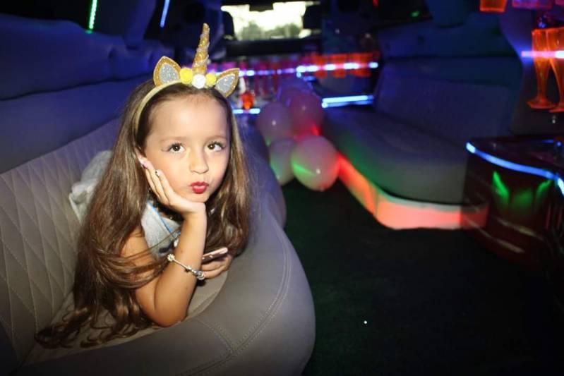 Quanto Custa Locação de Limousine Infantil Vila Gonçalves - Limousine Rosa para Festa Infantil