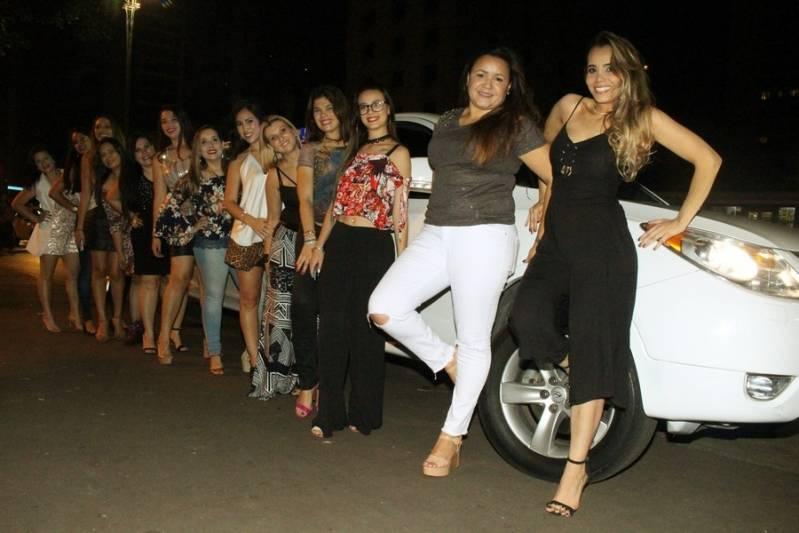 Quanto Custa Locação de Limousine para Casamento Chácara São Sebastião - Aluguel de Limousine Rosa de Festa