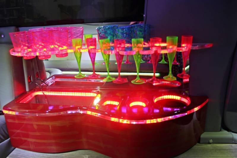 Quanto Custa Locação de Limousine para Casamentos Vila Costa Melo - Limousines para Festa