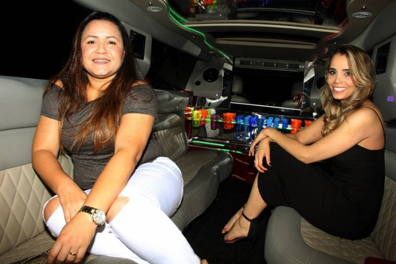Quanto Custa Locação de Limousine para Debutante Chácara Nani - Aluguel de Limousine para Festas