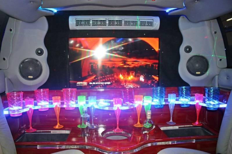 Quanto Custa Locação de Limousine para Debutante Jardim Bela Vista - Limousine Vermelha