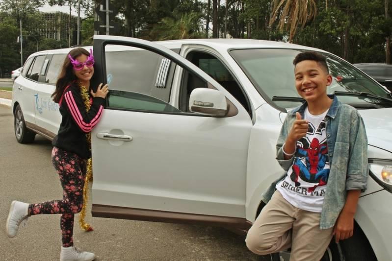 Quanto Custa Locação de Limousine para Debutante Jardim das Vertentes - Loja de Limousine de Festa