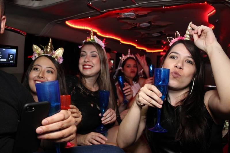 Quanto Custa Locação de Limousine para Festa Sumaré - Aluguel de Limousines para Festas com Motorista