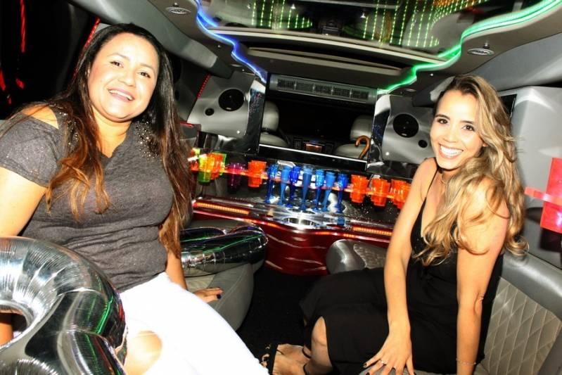 Quanto Custa Locação de Limousines Parque Ipê - Aluguel de Limousine para Festa de 15 Anos