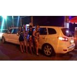 Comprar limousine de luxo valor acessível em Guaimbê