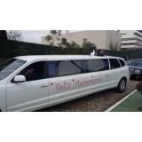 Festa de aniversário em limousine menor preço em Iguape