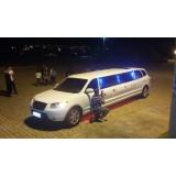 Festa de aniversário em limousine valor acessível na Vila Bauap