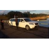 Locação de limousine luxuosa no Jardim do Divino