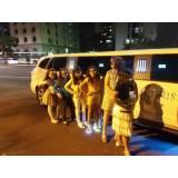 locação de limousine rosa para festa infantil na Candelária