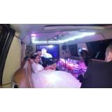 Preço acessível no aluguel limousine para casamento na Fazenda da Juta