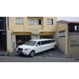 Quanto custa o aluguel limousine para casamento em Queluz